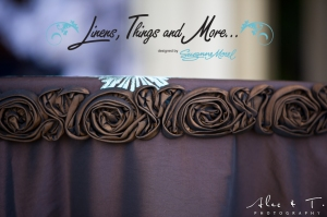Wedding brown and blue cake table details Cabo