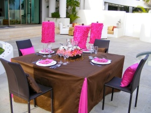 Pink and brown wedding tablecoth Cabo