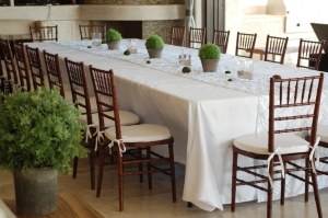 Simple and elegant party decor in Los Cabo