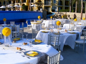 Yellow and Silver wedding by the pool of the Dreams Los Ca