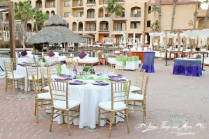 Wedding cabo: decor off with, green and eggplant