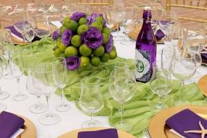 wedding cabo centerpieces: Green and eggplant