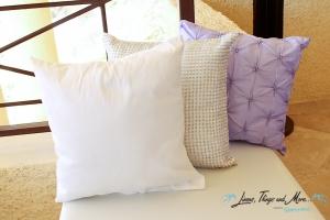 wedding Cabo: lavender decorative cushion