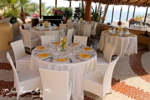 yellow and white wedding decor at Sunset Da Monalisa