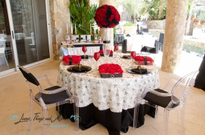 Black and white linen decor Cabo