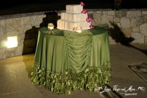 Fiesta Americana Green wedding cake table linen