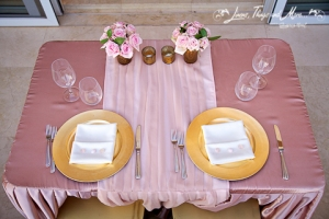 Bride and groom Vintage pink and gold table decor