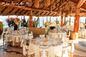 Sunset Da MonaLisa off white and gold wedding decor