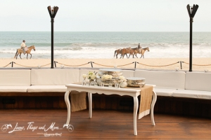 Vintage wedding cake table Los Cabos