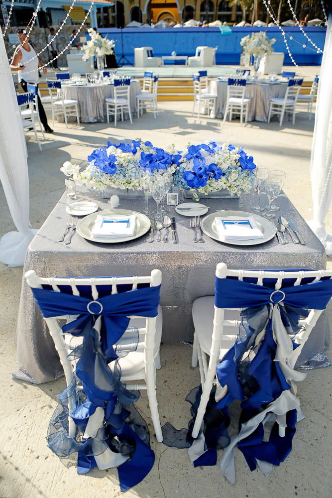 royal blue and silver wedding centerpieces%0A Incredible Royal Blue And Silver Wedding D Cor At Dreams Los Cabos