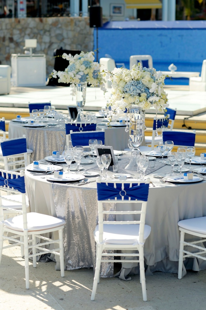Centerpieces and table decor Dreams Los Cabos Blue and gray 2
