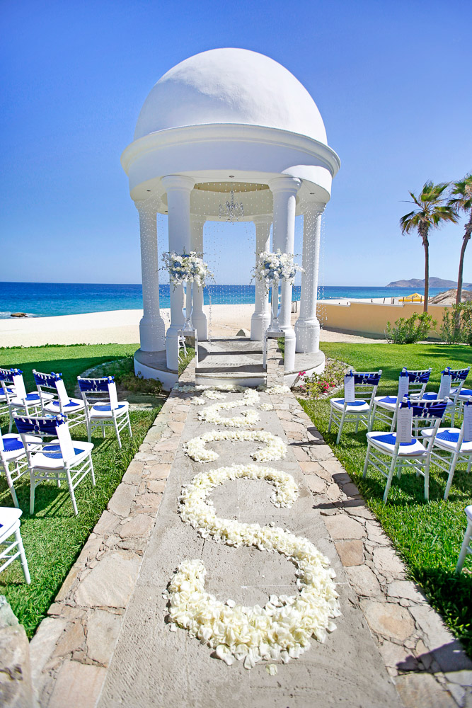 Gazdebo Dreams Los Cabo Blue and silver wedding decor