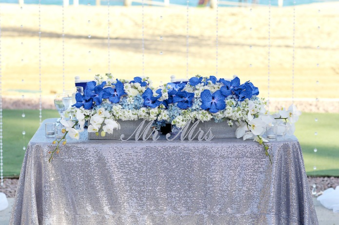 Sweetheart table Blue and silver sequins Dreams Los Cabos