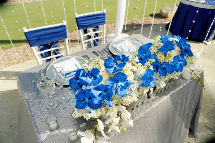 Sweetheart tables, crystals, silver sequins, royal blue orchids and rhinestone, Dreams Los Cabos wedding 2