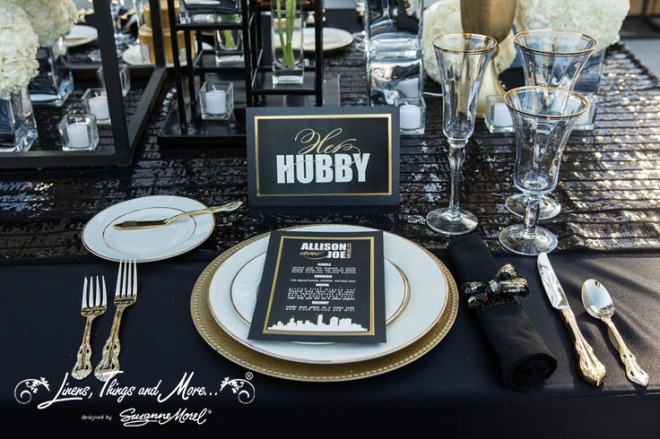 Napkin Black Gold glassware Cabo Wedding