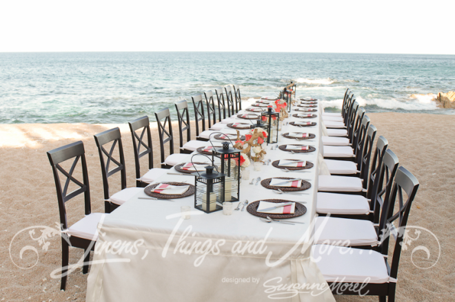 brown-and-coral-dinner-party-beach-Cielito-criss-cros