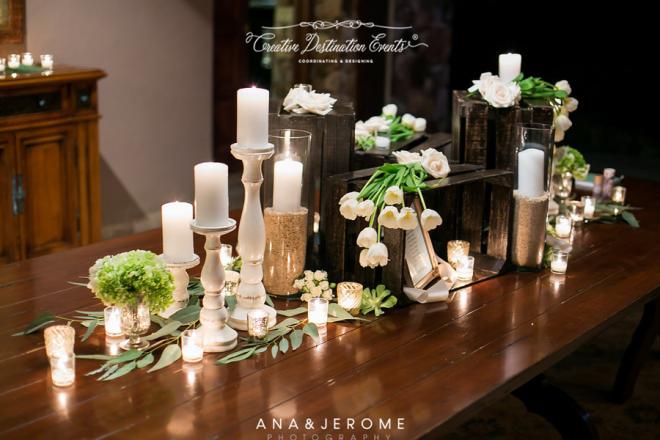 Sophie&Joe-wedding-beach---suzanne-morel-cabo-floral-studio-entrance-table13